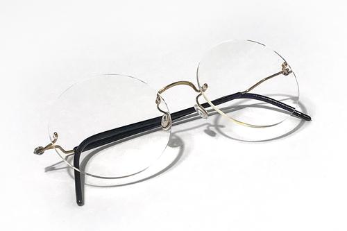 7b0872019fc 小林談「リンドバーグのコレクションの中でも最もミニマルなSpiritシリーズです。レンズをサイズアップしテンプルも少しカスタムして愛用しています。